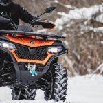 vožnja ATV vozila po snegu CFMOTO 1