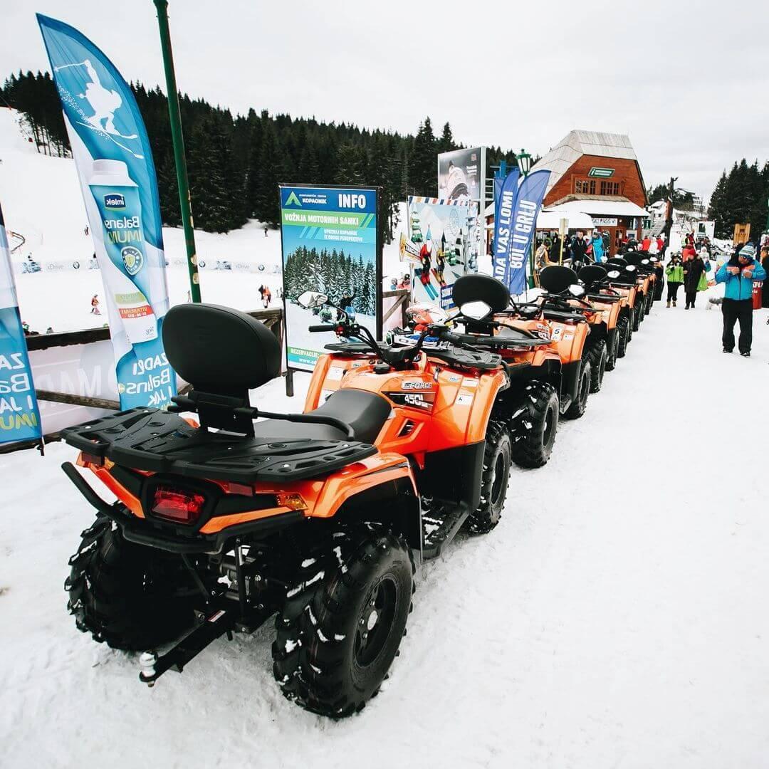 vožnja ATV vozila po snegu CFMOTO 2